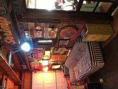 Retro Couch In Garage Bar Garage Bar In 2019 Garage Bar - Tiny house loft Garage Metal, Diy Garage, Garage Ideas, Bar In Garage, Garage Plans, Man Cave Garage, Best Man Caves, Retro Couch, Cave Bar
