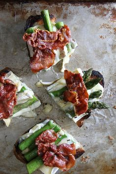 {Asparagus, prosciutto and grilled brie toast.}