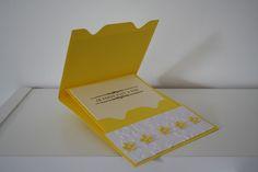 Scrapbooking enveloppe et carte jaune à fleurs