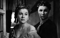 """Laurence Olivier and Joan Fontaine in """"Rebecca"""" (1940)"""