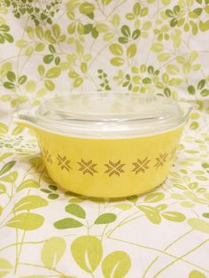 Hey, I found this really awesome Etsy listing at https://www.etsy.com/listing/578465875/pyrex-town-and-country-472-casserole
