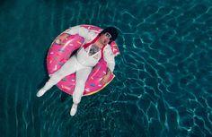 Floating Elvis by Neil Kremer on 500px