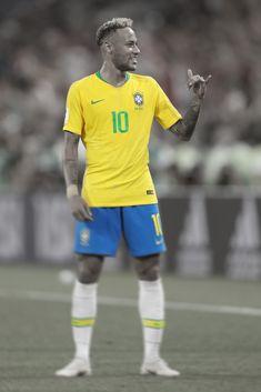 Neymar 10! Craque!! Brazil Football Team, Football Soccer, Neymar Jr, Soccer Cleats, Soccer Players, Neymar Barcelona, Soccer Backgrounds, Neymar Brazil, Brazil World Cup