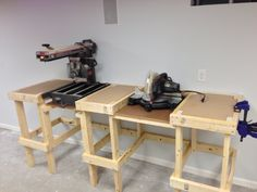 https://flic.kr/p/drJBJU   Radial Arm and Miter Saw Bench   Almost complete.  When the top is finished, it will have a common fence for both saws.