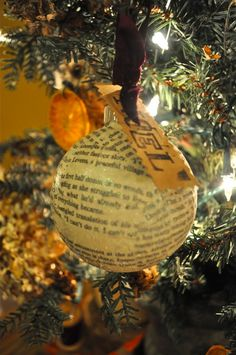 Donna Sawyer Wow » VINTAGE CHRISTMAS TREE: Baked Oranges, Dried Hydrangeas & DIY Ornaments