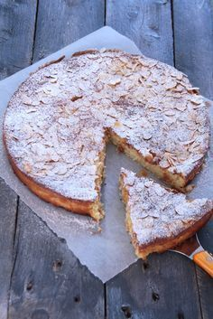 Ricotta Pie with Lemon and Almonds Sweet Recipes, Cake Recipes, Dessert Recipes, Biscotti, Ricotta Pie, Desserts With Biscuits, Sweet Pie, Almond Cakes, Almond Recipes