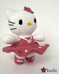 Estrella Bonita: Amigurumi Hello Kitty. http://estrellabonitaknit.blogspot.com.es/2016/03/amigurumi-hello-kitty-para-isabel.html