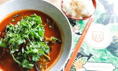 Botherambo Thai Red Curry, Ramen, Soup, Eat, Ethnic Recipes, Places, Soups, Lugares, Chowder
