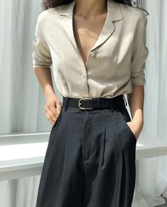 Blouse 3427 BLOUSE 3427 / BELT Source by . Read more The post Blouse 3427 appeared first on How To Be Trendy. Source by Fashion outfits Classy Outfits, Vintage Outfits, Casual Outfits, Mode Outfits, Fashion Outfits, Fashion Ideas, Instagram Mode, Instagram Fashion, Elegantes Outfit Frau