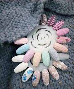 43 New ideas nails gel colors christmas Xmas Nails, Holiday Nails, Fun Nails, Acrylic Nail Designs, Nail Art Designs, Nail Art Noel, Manicure, Gel Nagel Design, Christmas Nail Art
