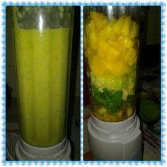 Dinner: banana+mango+spinach+avacado smoothie