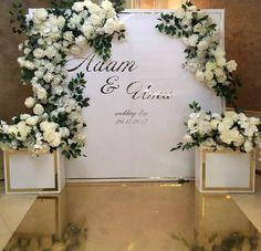 Фотозона by Deko Hochzeit Bridal Table, Wedding Table, Diy Wedding, Wedding Flowers, Dream Wedding, Wedding Stage Decorations, Wedding Themes, Wedding Designs, Paper Flower Backdrop