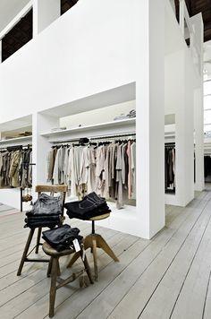 Retail Design | Shop Design | Fashion Store Interior Fashion Shops | HUMANOID shop Arnhem