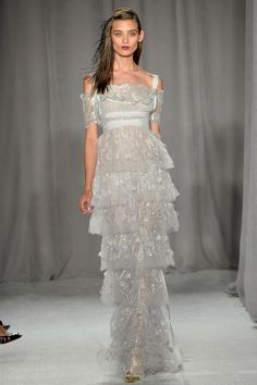 I want to get married again for this...  (Runway: Marchesa Spring 2014 RTW Collection)