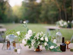 Photography : Lauren Kinsey Read More on SMP: http://www.stylemepretty.com/2016/06/02/mississippi-family-farm-wedding-elegant/