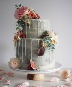 Naked drip cake with fresh flowers