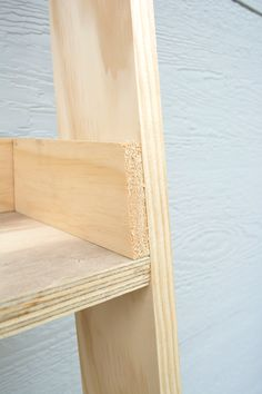 Wood cuts for a leaning ladder shelf Bathroom Ladder Shelf, Leaning Ladder Shelf, Ladder Shelf Decor, Bathroom Shelves For Towels, Diy Ladder, Wooden Ladder, Wooden Shelves, Wooden Diy, Ladder Shelves