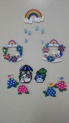 梅雨 Hama Beads Design, Hama Beads Patterns, Seed Bead Patterns, Beading Patterns, Pixel Beads, Fuse Beads, Pearler Beads, Dit Gifts, Bead Crafts