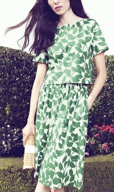 This green leaf print flare skirt is simply beautiful.