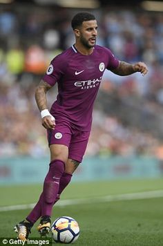 Kyle Walker recently left Spurs to earn £130,000 at Manchester City Football And Basketball, Football Boots, Football Players, Soccer, Manchester City Wallpaper, Zen, Kyle Walker, England Players, Brighton & Hove Albion