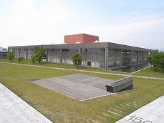 No.105 福井県立図書館 http://www.n-camera.net/archi/2009/08/post-58.html