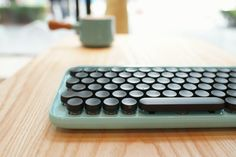 A Sexy Tablet Keyboard Based On Typewriters - Core77