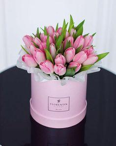 Тюльпаны - предвестники Весны Стоит подарить вашей избраннице букет тюльпанов и она растает, расцветет и одарит вас самой лучезарной своей улыбкой ☺️✨✨✨✨ Словно сама Весна поселится в ее сердце рядом с любовью #florentinproject #florentin #деньвлюбенных #valentinsday #14февраля #деньсвятоговалентина #подарокна14февраля #цветына14февраля