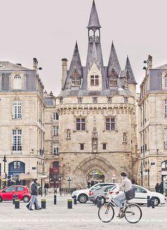 Porte Cailhau, Quartier Saint-Pierre, Bordeaux