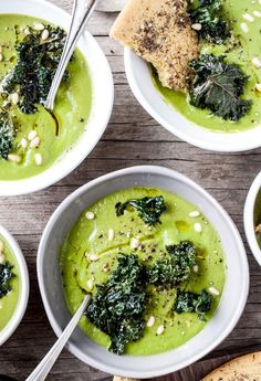 Kale Cauliflower Soup | via Dishing up the Dirt