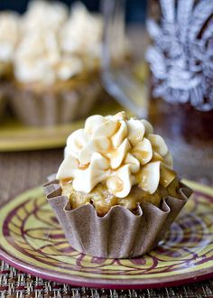 Butterbeer cupcakes...perfect for a Harry Potter marathon!