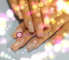 #nails #uñasbellas #uñasacrilicas #acrilycnails #uñas #diseño #kimerasnails #glitter #nude #fashionnails #fashion #naturalnails #naturales