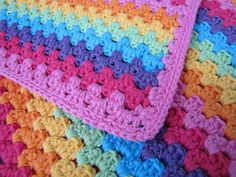 myssel: Mormorsränder i form av bebisfilt: Ta-dah Easy Crochet Blanket, Diy Crochet, Crochet Afghans, Crochet Blankets, Baby Blankets, Stick O, Cute Designs, Diy And Crafts, Crochet Patterns