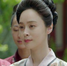Woo Hee-jin as Court Lady Oh Soo-yeon Woo Hee Jin, Scarlet Heart, Moon Lovers, The Empress, Korean Actresses, Korean Women, Kdrama, Skin Care, Actors