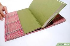 a Fabric Book Cover Sew a Fabric Book Cover, add handles to both sides,and elastic on both inside side(for smaller books or notepad?Sew a Fabric Book Cover, add handles to both sides,and elastic on both inside side(for smaller books or notepad? Pochette Diy, Fabric Book Covers, Cover Books, Fabric Books, Techniques Couture, Bible Covers, Fabric Journals, Sewing Projects For Beginners, Free Sewing