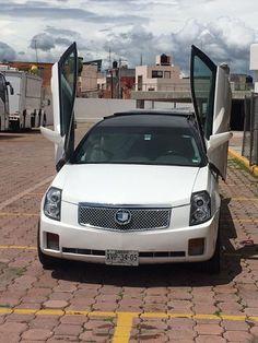 Cadillac cts Para 9 personas Bebidas para los pasajeros quema coxis panorámico Personalizada por los dos lados Precio desde $1900 #cars #toronto #carloans #canada