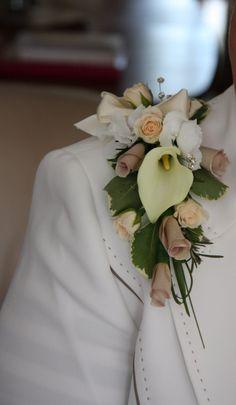 shoulder+corsages+fresh+flowers | flower arrangements for branches filler flowers provides lei corsages ...