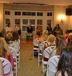 A wonderful alumnae-collegiate relations idea is for alumnae to host a career panel. Delta Kappa Chapter (Louisiana State University) and Greater New Orleans Alumnae Chapter did this and even split up into smaller groups based on majors and career interests!