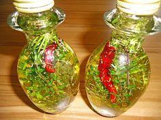 Provenzalisches Kräuteröl, ein leckeres Rezept aus der Kategorie Haltbarmachen. Bewertungen: 9. Durchschnitt: Ø 4,1.