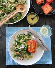 Jeg håper dere har hatt en fin pinsehelg og 17. mai? Det har jeg! Nå er jeg klar for hverdag igjen, og kan friste med en deilig fiskerett med smak av sommer. Som tilbehør til ørreten serverer jeg… Diabetic Recipes, Healthy Recipes, Healthy Living Quotes, Couscous, Fish Recipes, Food Inspiration, Nom Nom, Main Dishes, Seafood