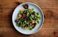 Ett recept som kringgår två näringsmässiga utmaningar med en vegetarisk kost. Med sojabönor som enda fullvärdiga proteinkällan bland vegetabilier och svamp som enda vegetabiliska D-vitaminkällan!