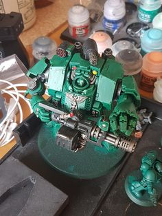 WIP Redemptor - Still plenty to do, but he's coming along well. Yes, indeed it looks great, love the convertion! Warhammer 40k Salamanders, Warhammer 40000, Miniaturas Warhammer 40k, Warhammer Terrain, Warhammer Models, Warhammer 40k Miniatures, Space Marine, Miniture Things, Emperor