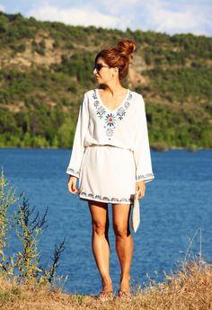 Look con kaftan. Look con pelo recogido. A trendy life. #casual #relax #kaftan #gisela #havaianas #stellarittwagen #summer #outfit #fashionblogger #atrendylife www.atrendylifestyle.com