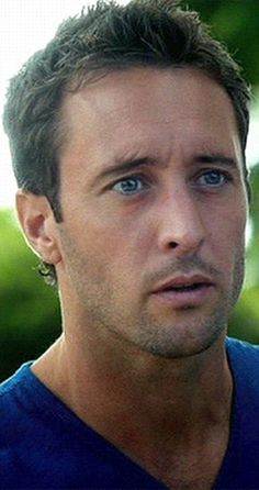 Alex O'Loughlin - Steve McGarret on the new Hawaii Five-O Alex O'loughlin, Alex Scott, Alex Love, Hawaii Five O, Beautiful Celebrities, Gorgeous Men, Celebrity Crush, Celebrity Photos, Hugh Wolverine