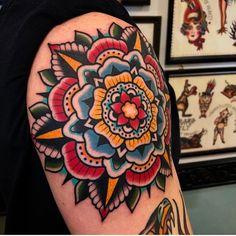 Search inspiration for an Old School tattoo. Rose Tattoos, Leg Tattoos, Body Art Tattoos, Sleeve Tattoos, Traditional Tattoo Knee, Traditional Mandala Tattoo, Mandalla Tattoo, Tattoo Shading, Color Tattoo