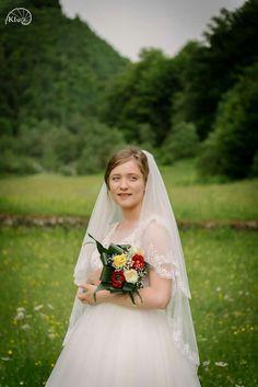 Nasa, Wedding Dresses, Fashion, Bride Dresses, Moda, Bridal Gowns, Fashion Styles, Wedding Dressses