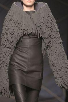 future, futuristic, future girl, Future Fashion, avant-garde, Girl in Black, Future Girl, Avant-Garde, Dark Fashion, Gareth Pugh,total black by FuturisticNews.com