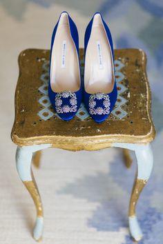 Blue Bridal shoes by Manolo Blahnik /  Brudskor / Bröllop Rosenhanska Magasinet