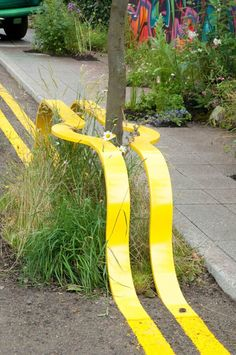 Art everywhere… funny whimsical street art installation yellow lines I have… Land Art, Urban Furniture, Street Furniture, City Furniture, Graffiti, Urban Landscape, Landscape Design, Street Art, Street Signs