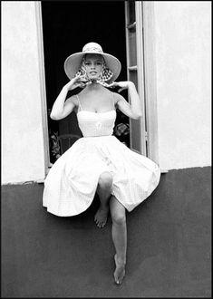 Jean Barthet Brigitte Bardot Tirage argentique format 70 X 49 cm signé 70 X 49 cm - Christophe Joron Derem - 14/11/2018