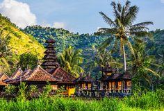 Ihr plant einen Besuch in Indonesien? Hier findet ihr die besten Bali Tipps kompakt auf einen Blick - von Reiseberichten bis hin zu Luxusunterkünften.